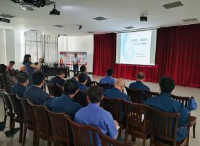 In July, Han Weixing chief engineer was hired to our factory to carry out safety training of product